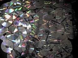 Come impedire la copia o l'estrazione dei dati da un CD  o DVD , con ( SS Power Disc Lock )
