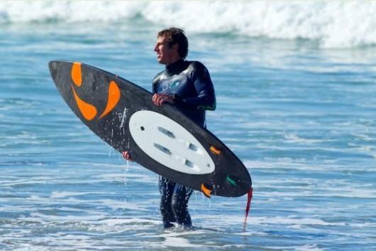 Tavola da surf motorizzata per grandi onde risposteonline - Tavola da surf a motore ...