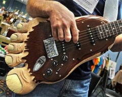 _images_Product-News_Guitar_feb09_outrageous_bigfoot-460-100-460-70.jpg